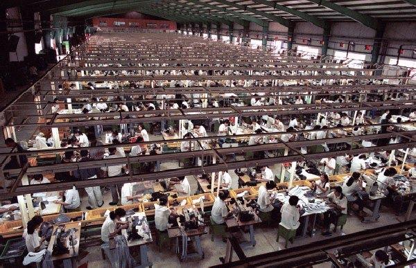 foxconn-factory-fabrica-shenzhen-ipad-iphone-apple